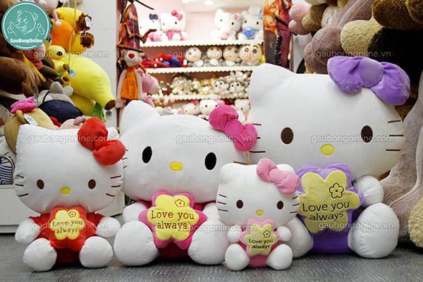 gấu bông Hello Kitty ôm hoa